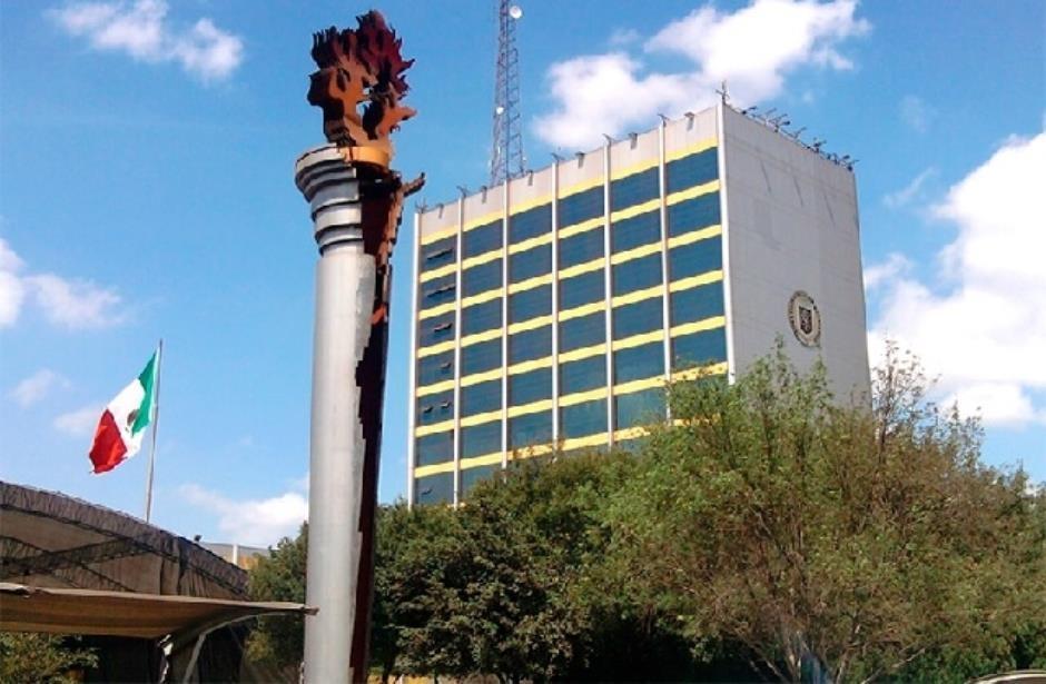 Sanea rector de UANL finanzas